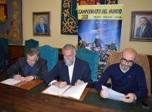 El Motoclub Talavera y el Ayuntamiento firman el convenio para el MXGP 2016